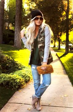 25 Casual Winter Outfits For Teen Girls - Pinmagz Winter Outfit For Teen Girls, Casual Winter Outfits, Outfits For Teens, Funky Leggings, Nice Dresses, Portraits, Clothes For Women, Trending Outfits, Stylish