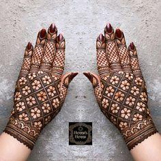 Mehndi Designs For Kids, Rose Mehndi Designs, Back Hand Mehndi Designs, Stylish Mehndi Designs, Henna Art Designs, Mehndi Designs For Beginners, Mehndi Design Photos, Wedding Mehndi Designs, Beautiful Mehndi Design