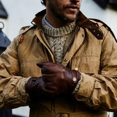 A historic name in men's outdoor apparel celebrates 125 years in business with a durable overshirt Vintage Winter Fashion, Old Man Fashion, British Mens Fashion, Rugged Men's Fashion, Men's Fall Fashion, Fashion Art, Desert Fashion, Timeless Fashion, Fashion Styles