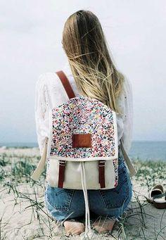Desenli sırt çantaları...