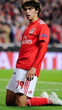 Soccer Stars, Football Soccer, Football Players, Benfica Wallpaper, Don Juan, Manchester United, Superstar, My Life, Boys