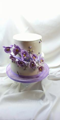 Wedding with orchid in violet