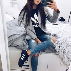 If you love comfortable clothes than these sporty outfits are perfect choose for you. Let yourself get inspired with chic selection of the most valuable sports brand Adidas and vote for your favorite look. Fashion Mode, New York Fashion, Teen Fashion, Fashion Clothes, Fashion Outfits, Womens Fashion, Style Fashion, Fashion Shoes, Lux Fashion
