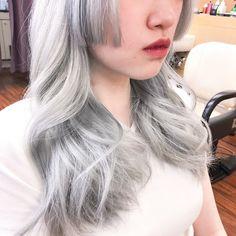 HanaさんはInstagramを利用しています:「.ㅤㅤㅤㅤㅤㅤㅤㅤㅤㅤㅤㅤㅤ ホワイトとシルバーの間ㅤㅤㅤㅤㅤㅤㅤㅤㅤㅤㅤㅤㅤ ㅤㅤㅤㅤㅤㅤㅤㅤㅤㅤㅤㅤㅤ ㅤㅤㅤㅤㅤㅤㅤㅤㅤㅤㅤㅤㅤ 白じゃないよ、シルバーだよ。ㅤㅤㅤㅤㅤㅤㅤㅤㅤㅤㅤㅤㅤ ㅤㅤㅤㅤㅤㅤㅤㅤㅤㅤㅤㅤㅤ ㅤㅤㅤㅤㅤㅤㅤㅤㅤㅤㅤㅤㅤ メニュー:Hanaカラー+α(…」 White Blonde, Tulle, Hair, Instagram, Fashion, Moda, Fashion Styles, Tutu, Fashion Illustrations