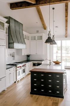 34 Best White Wood Beams Ceiling Ideas For Cottage In 2020 With
