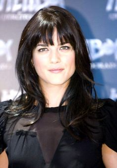 Selma Blair, Hairstyles With Bangs, Cool Hairstyles, Hairdos, Brunette Actresses, Hair Fair, New Haircuts, How To Feel Beautiful, Hello Beautiful