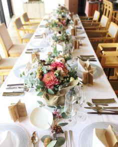 Table Centerpieces, Wedding Centerpieces, Wedding Bouquets, Wedding Ceremony Decorations, Flower Decorations, Table Decorations, Dinner Table, A Table, Natural Wedding Flowers