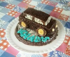 Gâteau d'anniversaire de garçon voiture 3d