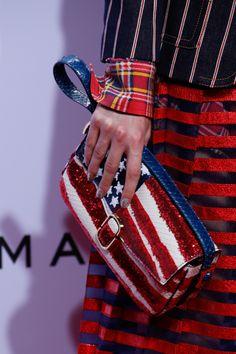 Marc Jacobs Spring 2016 Ready-to-Wear Fashion Show Details