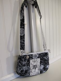 Black and White Shoulder Bag White Shoulders, White Shoulder Bags, Beaded Bags, Scarf Wrap, Purses And Bags, Scarves, Wraps, Handbags, Black And White