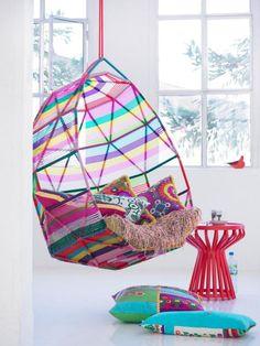 chaise hamac multicolore, idées déco uniques en plusieurs couleurs
