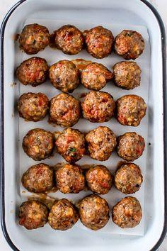 Chorizo Meatballs – bagt i ovnen (Loui&bearnaisen) Tapas Recipes, Kitchen Recipes, Beef Recipes, Mexican Food Recipes, Italian Recipes, Dinner Recipes, Cooking Recipes, Party Recipes, Food Porn