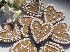 Svatební srdíčka - jmenovky / Zboží prodejce Militili | Fler.cz Gingerbread Cookies, Sugar, Desserts, Food, Gingerbread Cupcakes, Tailgate Desserts, Deserts, Essen, Postres