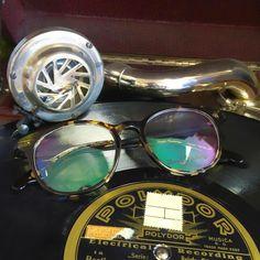 La monture #Auerbach s'est fait une place de choix dans la collection #VinylFactory. #glasses #lunettes #fashion