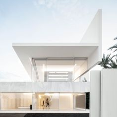 modernist house - Fran Silvestre Arquitectos erect a stunning modernist house in Valencia, Spain. The aesthetic of the structure is defined by an incredibly slick, c. Residential Architecture, Interior Architecture, Interior Design, Architecture Graphics, Piscina Interior, Farnsworth House, Box Houses, Glass Boxes, Minimalist Home