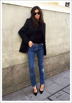 Street Style: Barbara Martelo Is Casual Chic In Classic Pieces