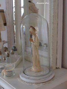 Brocante Brie, oude stolp met oud Maria beeldje