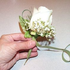 Learn How to Make Corsages
