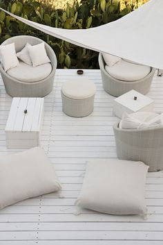 beautiful all white seating area