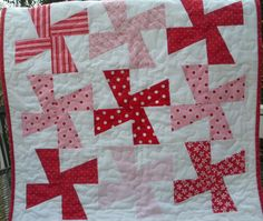 Turtle Hill Quilter: Charmed Whirlgigs Tutorial no template quilt pattern