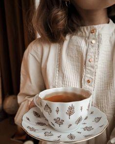 Keeping it cozy as the snow keeps falling❄🦌 Cotton blouse by Coffee Cups, Tea Cups, Cuppa Tea, My Cup Of Tea, High Tea, Afternoon Tea, Tea Set, Tea Time, Tea Party