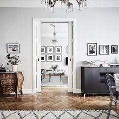 Vanha kohtaa uuden tässä upeassa skandinaavisella tyylillä kuorrutetussa kodissa #antiikki #sisustus #puu #valkoinen #sisustusinspiraatio #tyyli #koti #tila