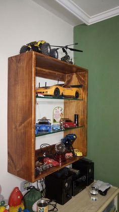 Mini estante de pinos.