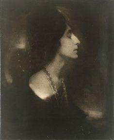 "Edward Steichen, ""Mercedes de Cordoba (Profile)"" 1904"
