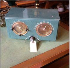 Simon Vintage GE radio 1911 9th Street NW