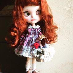 Lou  Procházka se svými teddymi Krásná taška by #heliantas Šaty podle #piffypink_poupae #blythedollcustom #blytheooak #blythecollection #ooohhhblythe
