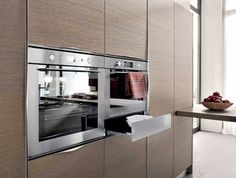 #Electrolux #Warmingdrawer Modern Kitchen Cabinets, Kitchen Corner, Commercial Kitchen, French Door Refrigerator, Luxury Homes, Sweet Home, Kitchen Appliances, Innovation, Fan