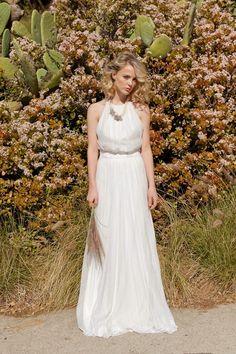 Beach Friendly Wedding Dresses Every Bride Will Love - Wedding Party