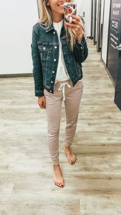 mom style Fall - Old Navy Try On Session - Lynzy & Co. Old Navy Outfits, Casual Fall Outfits, Simple Outfits, Spring Outfits, Everyday Casual Outfits, Casual Outfits For Moms, Teen Fall Outfits, Petite Outfits, Dress Casual