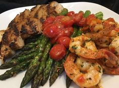 roasted red pepper shrimp with grilled chicken and sauteed asparagus Pepper Shrimp, Roasted Red Peppers, Grilled Chicken, Asparagus, Great Recipes, Stuffed Peppers, Meat, Big, Food