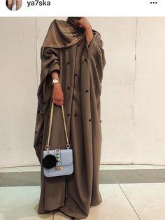 PINNED BY @MUSKAZJAHAN - Abaya Niqab Fashion, Modesty Fashion, Muslim Fashion, Fashion Dresses, Hijab Style Dress, Hijab Outfit, Abaya Style, Abaya Dubai, Estilo Abaya