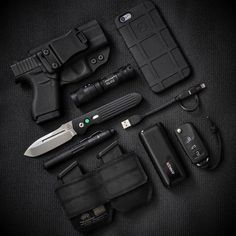 Stay Alive – Earthquake Emergency Preparation Tips – Bulletproof Survival Tactical Life, Edc Tactical, Tactical Equipment, Tactical Firearms, Edc Carry, Edc Gadgets, Everyday Carry Gear, Emergency Preparation, Edc Tools