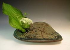 Ikebana Vase made from Catalpa Leaf.