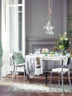 Comedor-con-mesa-vestida