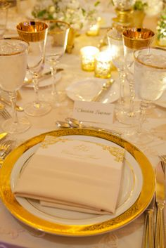 Elegant gold place settings