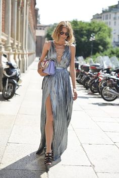 26 Flawless Dresses For Your End-of-Summer Party Plans