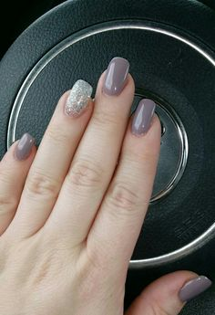 my new favorite gel color dnd gel polish short n sweet
