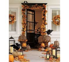 love this natural look for outside decor-also could do for Christmas/winter by adding pine greens,lrg pine cones, xtra large straw apples, etc