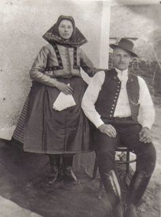 Püspökhatvan régi képeken Folk Costume, Costume Dress, European Costumes, East Of Eden, Austro Hungarian, Folk Dance, Old Photos, Embroidery Patterns, Traditional