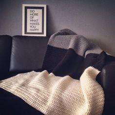 Alweer een deken? Zo snel?Jaa, ik stond er zelf ook even van te kijken, hihi.Ik heb nog nooit zo snel een deken klaar gehad als deze, 2 avonden en een middagje haken en taadaaaa.. Dit is het resultaat