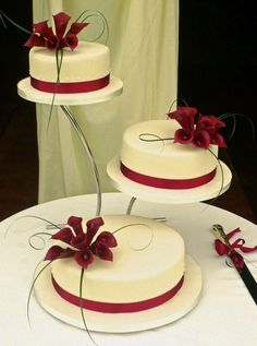 burgundy wedding | Burgundy Wedding Cake