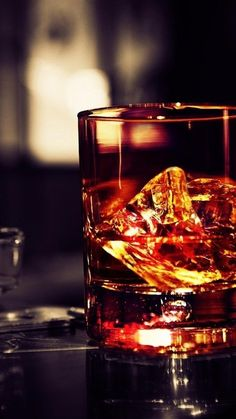 ↑↑TAP AND GET THE FREE APP! Drink Men's World Stylish Blurred For Guys Alcohol Dark Glass Golden Whiskey HD iPhone 5 Wallpaper