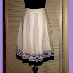 Pleated skirt Never worn- pinned on mannequin to show shape Old Navy Skirts Midi
