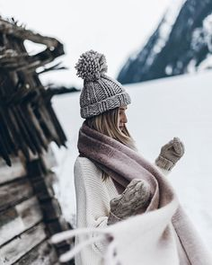 Travel photography ideas couples romantic ideas for 2019 - Beautiful Food Photography + Styling - Winter Photography, Outdoor Photography, Photography Women, Couple Photography, Amazing Photography, Travel Photography, Fashion Photography, Photography Ideas, Mountain Hat