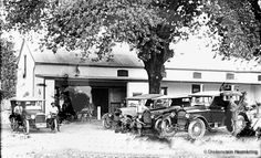 Paarl's first car dealerships Repair Shop, Car Repair, Old Family Photos, Motor Works, First Car, African History, Back In The Day, Old Pictures, South Africa