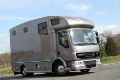 Compact 7.5 tonne Helios horseboxes from Kevin Parker Horseboxes  #horseboxes #HorseHour #horseboxesforsale #KPHLTD